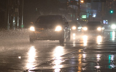 5 Useful Tips To Drive Well During Rainy season